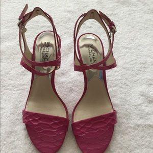Brand New Michael Kors Sandals in pink